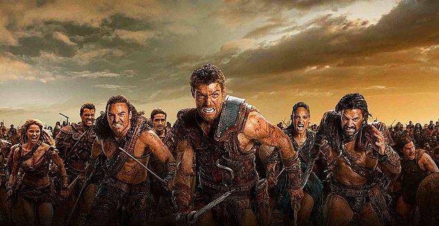 Spartaküs ve takipçilerini yakalamak için yaklaşık 300 kişilik bir kuvvet gönderilmişti. Stratejik bir plan izlenerek kendilerinden 3 kat fazla olan bu Roma kuvvetleri bir gece baskınıyla bozguna uğratıldı.
