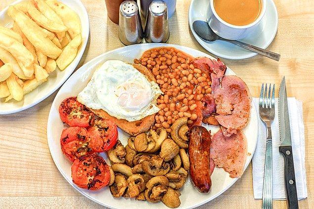 14. Yahu sabah kahvaltısında fasülyenin ne iş var demekten geri duramayacağınız İngiliz Kahvaltısı