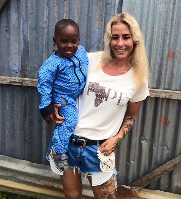 Аня Ринггрен Ловен работает в организации под названием DINNødhjælp (Ваша помощь), расположенной в Нигерии