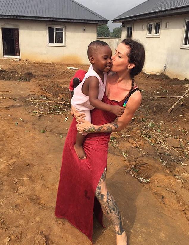 Год любви и заботы подарил малышу совершенно другое представление о жизни