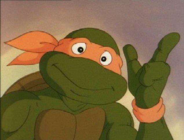 3. Pekii hazır konu çizgi filmlerden açılmışken resimde gördüğün Ninja Kaplumbağalar'ın en haylazı olanın ismi nedir?