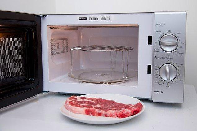 10. Yiyeceklerinize ızgara yapmadan önce ön pişirme yapabilirsiniz.