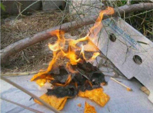 12. Ateş yakmak için Doritos kullanın.