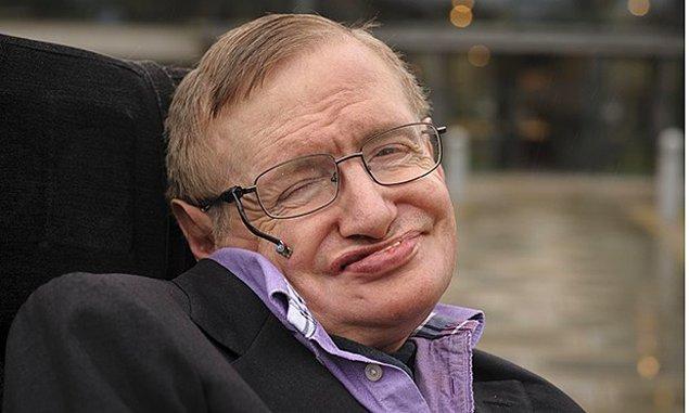 11. 2009 yılında Stephen Hawking herkese açık, aşırı lüks bir parti düzenledi.
