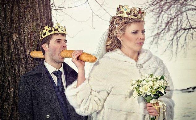 5. Daha evlenmeden çok konuşursa neler olacağının mesajını vermiş ablamız.