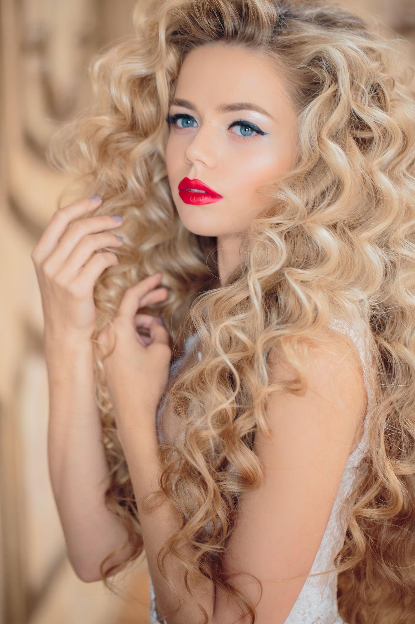 Фото причесок с длинными волосами локоны