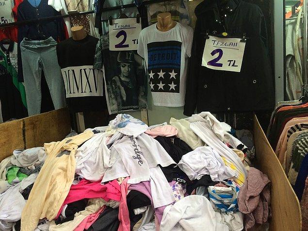5. Özellikle Kıyafet alışverişleriniz için pasaj gezmek çok iyi bir yöntem. Mağazalarda beğendiğiniz kıyafetler ihraç fazlası olarak ya da sezon sonu fazla kalanlar olarak mutlaka buralara düşüyor.
