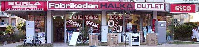 12. Fabrika Satış Mağazaları'na uğrayın. Tekstil konusunda iddalı olan Türkiye, ünlü markaların üretim yaptırdığı ülkelerden. Fabrikaların yanında bulunan bu mağazaları mutlaka gezmelisiniz.