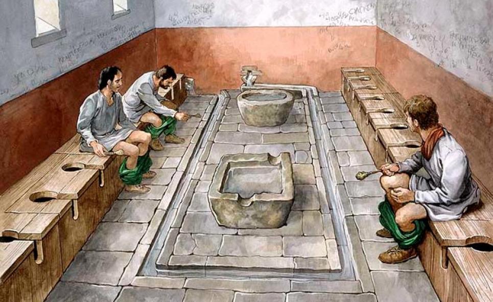 Раба поместила в ящик и стал живым туалетом