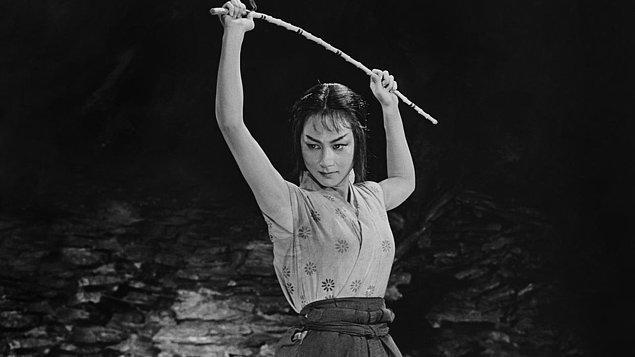 8. Saklı Kale (1958)  | IMDb    8.1
