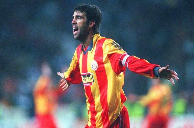 17. Süper Lig'in en çok gol atan futbolcusu; 249 golle Hakan Şükür'dür.