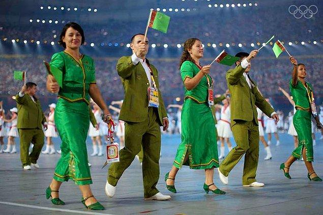 15. Geçtiğimiz yıl Rio'da düzenlenen olimpiyat oyunlarında madalya kazanamayan sporcularını vatan haini ilan etti.