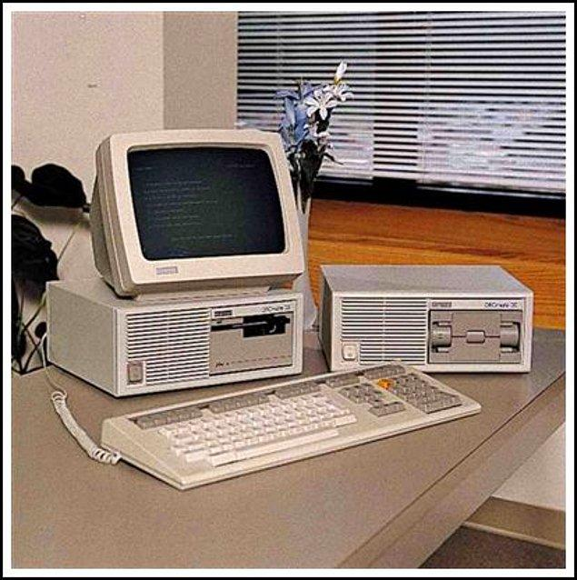3. Bilgisayarla ilk tanışma, ilk keşif yapma anı. Biraz şanslı olanlar mutlaka Paint'te resim yaparken, diğerleri de klavyeye gelişigüzel basmıştır mutlaka.