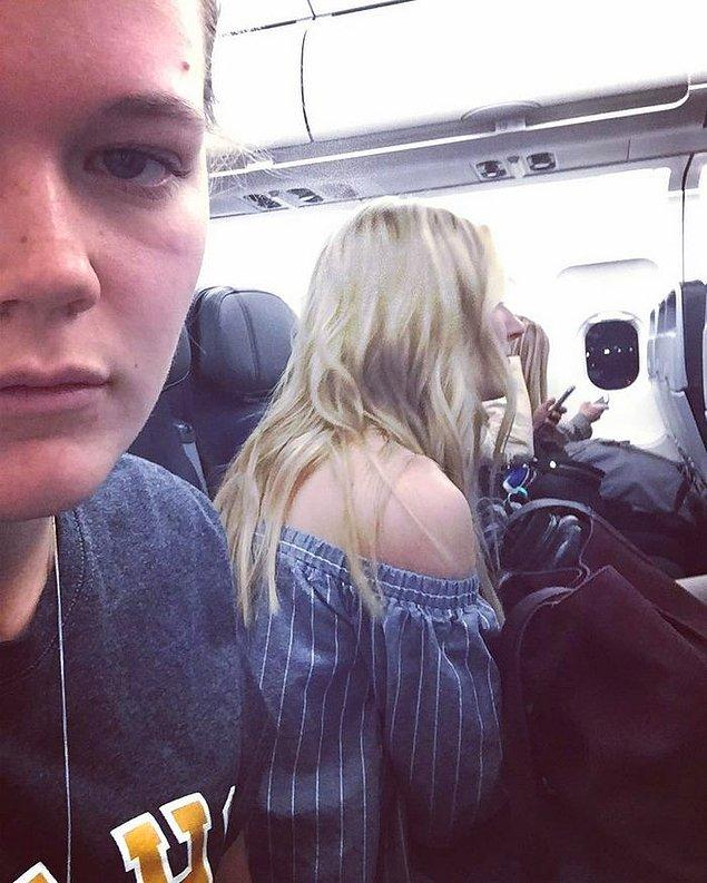 10. Uçakta ortada veya koridora bakan kısımda oturuyorsanız, kesinlikle bundan kaçış yok.