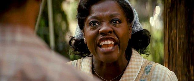Hak ettiği üzere En İyi Yardımcı Kadın Oyuncu dalında kazanan isim oldu Viola Davis. Peki, hangi filmleri izlenmeli?