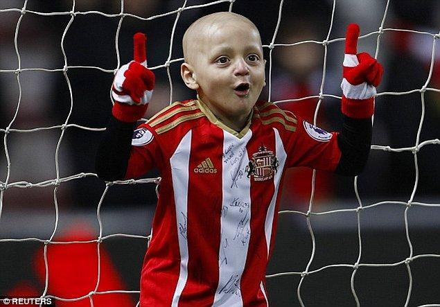 Geçen yıl Bradley'nin New York'ta tedavi olabilmesi için başlatılan yardım kampanyasında yüzbinlerce sterlin toplanmıştı.