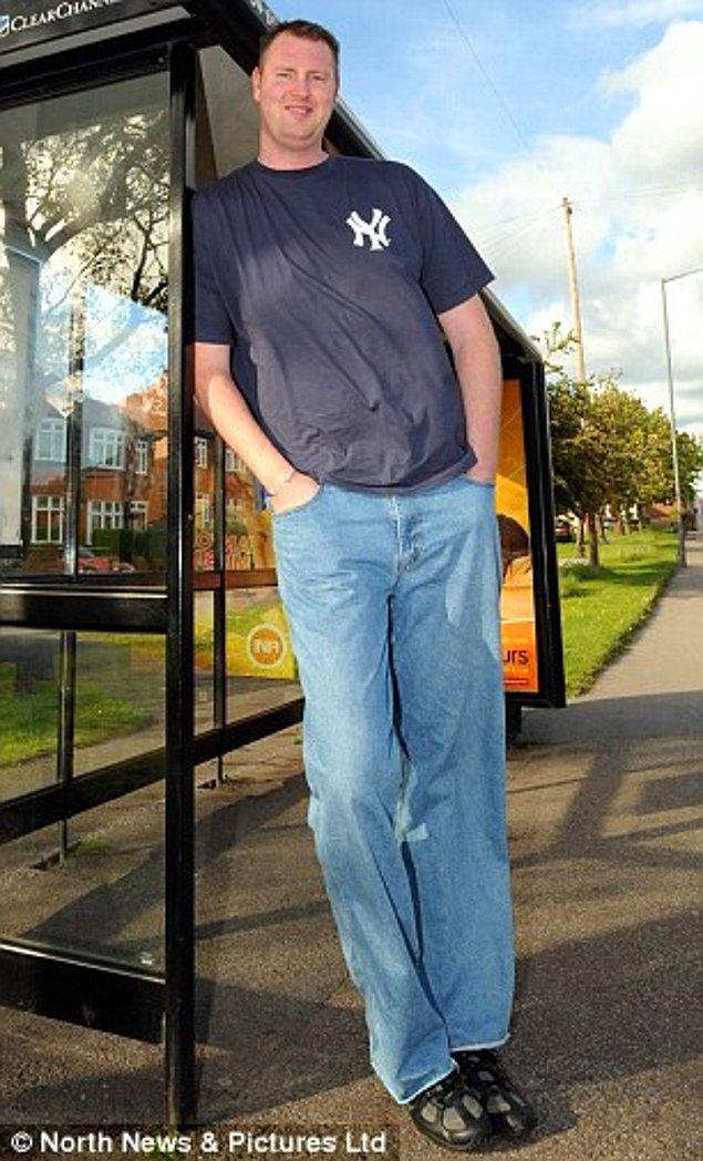 İngiliz dev adam Neil Fingleton geçtiğimiz Cumartesi kalp yetmezliğinden, 36 yaşında hayatını kaybetti.