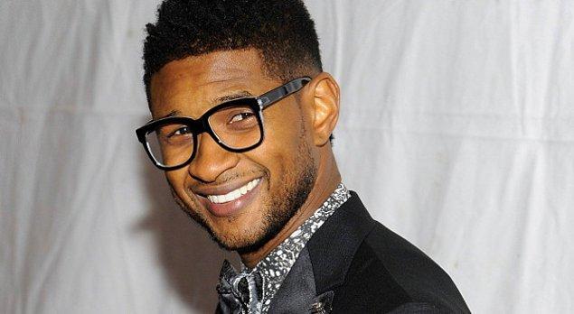 """7. Usher yemek yediği bir restoranda bahşiş olarak imzalı bir fotoğrafını bıraktı ve """"cimri"""" yaftasını sonuna kadar hak etti!"""