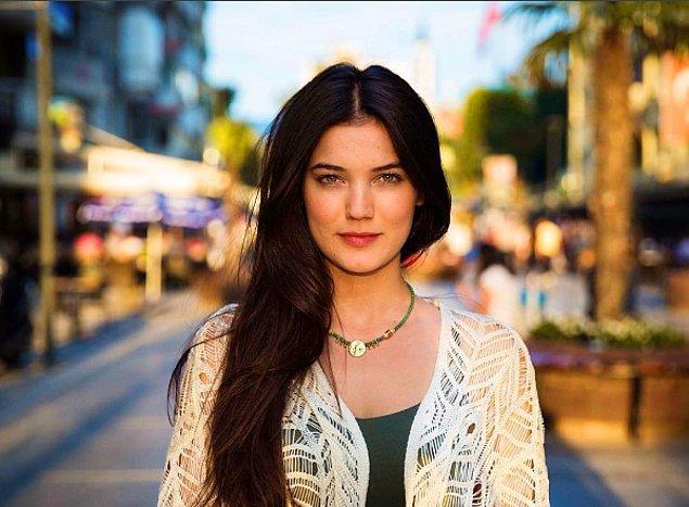 3. Bu güzeller güzeli Pınar Deniz; kendisi henüz 1994 doğumlu ve yengeç burcu!