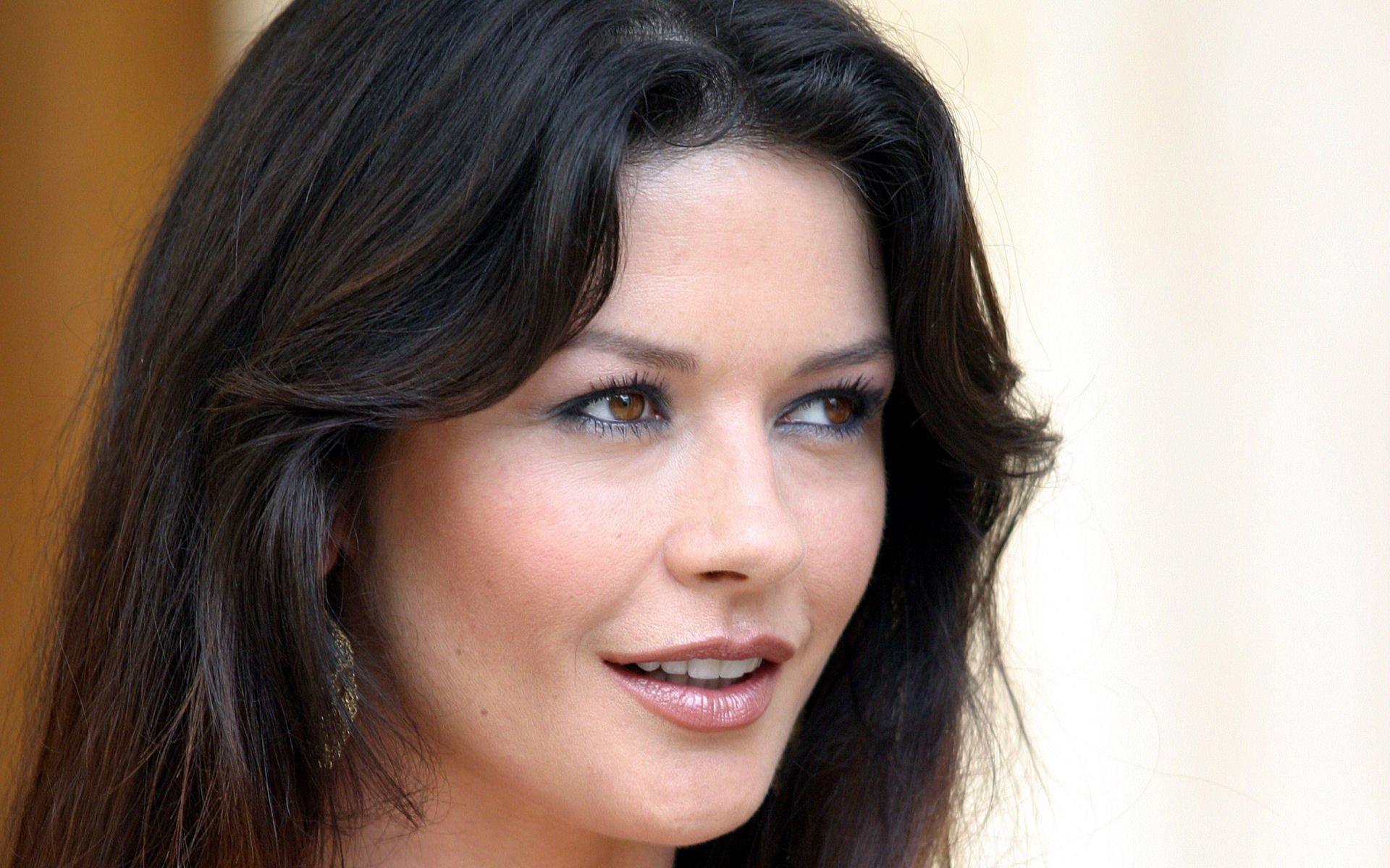 Фото зарубежных актрис имя на, порно а в попу лучше