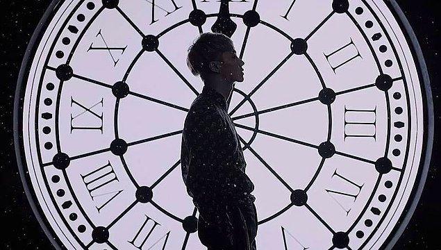 """1. """"Saat yarım olmuş"""" denildiğinde 12:30'un anlaşılmasının sebebi, o anda akrep ve yelkovanın saati 2 eşit parçaya bölmesinden ötürüdür."""