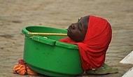 Девушка без рук и ног вынуждена жить в пластиковом тазу