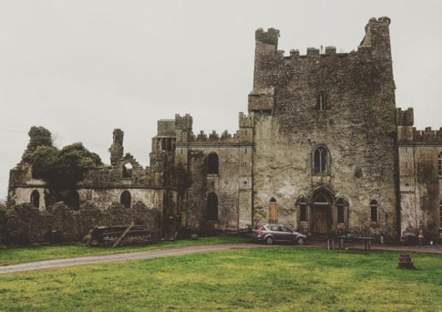 """Добро пожаловать в замок Лип в Ирландии, в котором живёт мистический дух """"Элементаль""""."""