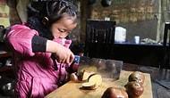 5-летняя девочка самолично заботится о своих бабушках после того, как ее покинула мать
