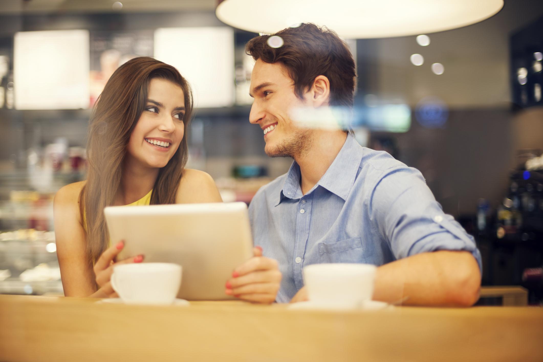 общение с виртуальной девушкой