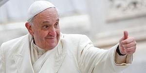 3-летняя девочка украла шапочку с головы папы римского и мгновенно стала звездой интернета