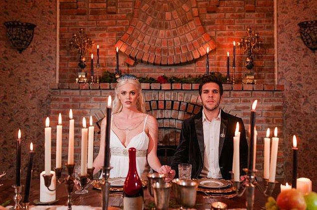 Yedi Krallık'taki düğünlerin sonunun pek iyi bitmediğini hepimiz biliyoruz. Ancak diziye olan aşkından ilham alan fotoğrafçı Katherine Elena, kraliçelere layık sihirli bir düğün çekimi yaptı.