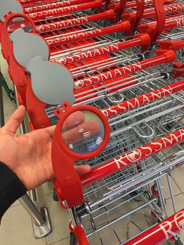 13. Görme problemi yaşayan herkesin etiketleri okumasını kolaylaştıracak büyüteçli alışveriş arabaları.