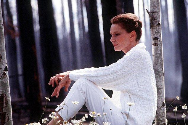 11. 1989 yapımı Daima filmi Audrey Hepburn'ün 1993'te ölmeden önce yer aldığı son yapımdır.
