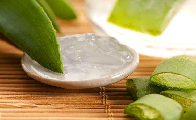 4. Aloe Vera ile cildiniz yumuşasın.