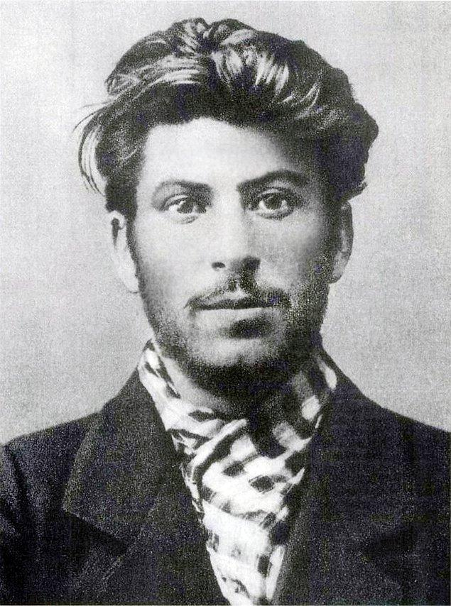 Иосиф Сталин в 1902 году.