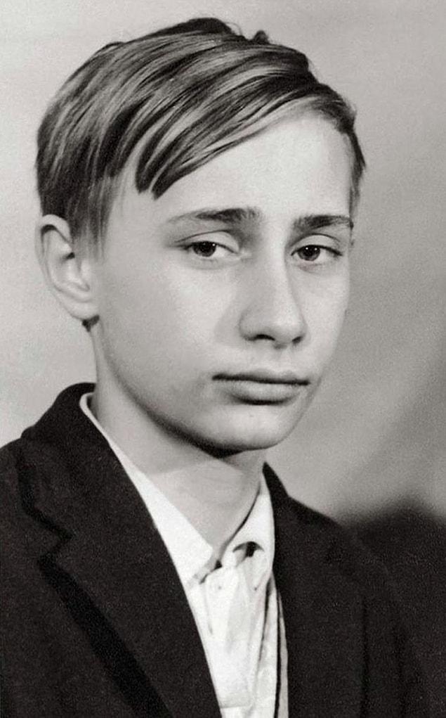 Молодой Владимир Путин.