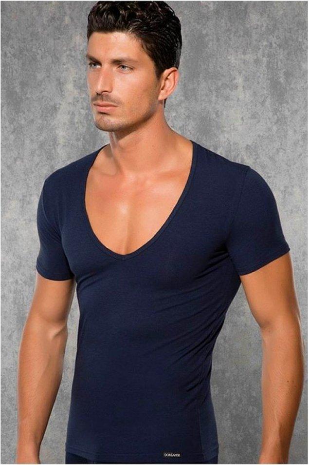 10. Yakası aşırı geniş streç tişört