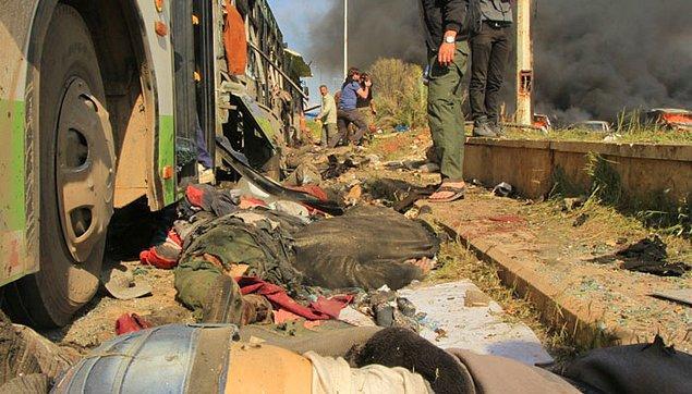 Patlamanın gücüyle yere savrulan Abd Alkader, toplamda 126 kişinin hayatını kaybettiği o anlarda yerden kaptığı bir çocuğu ambulansa yetiştirdi.