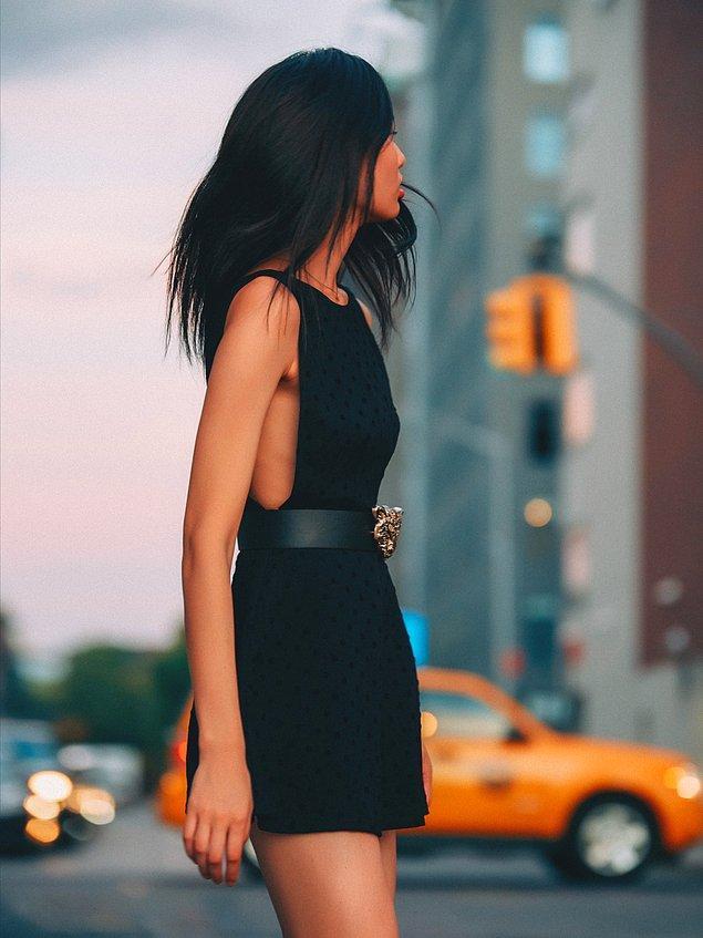 12. Küçük siyah elbise