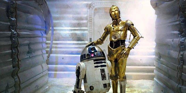 40. En güzelini en sona sakladık: Aralıksız her Star Wars filminde yer alan karakterler R2-D2 ve C-3PO