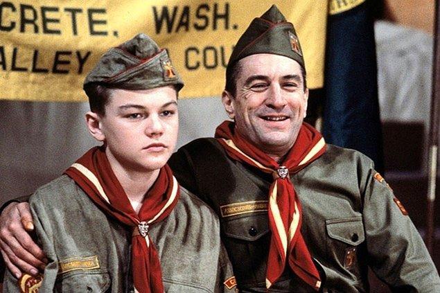 Daha önce bu ikiliyi This Boy's Life (1993) filminde izlemiştik.
