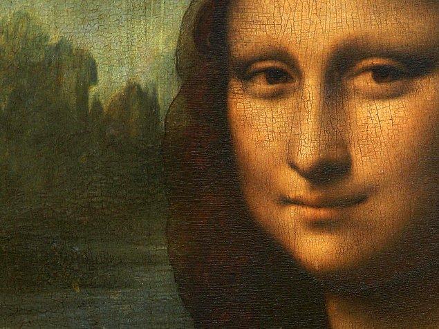 11. Mona Lisa hangi yüzeye boyanmıştır?