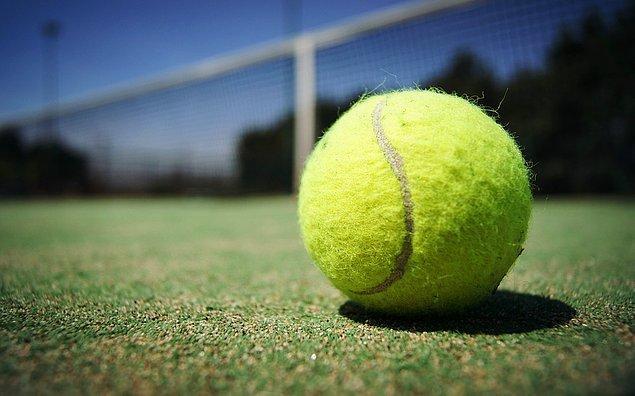 13. Tenis topu eskiden hangi materyalden yapılıyordu?