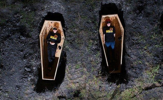 Diri diri gömülmek, insanın en büyük ve en derin korkularından bir tanesi.