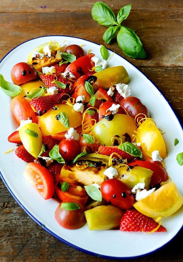 6. Antioksidan kaynağı domatesi bir de meyveler ile deneyin.