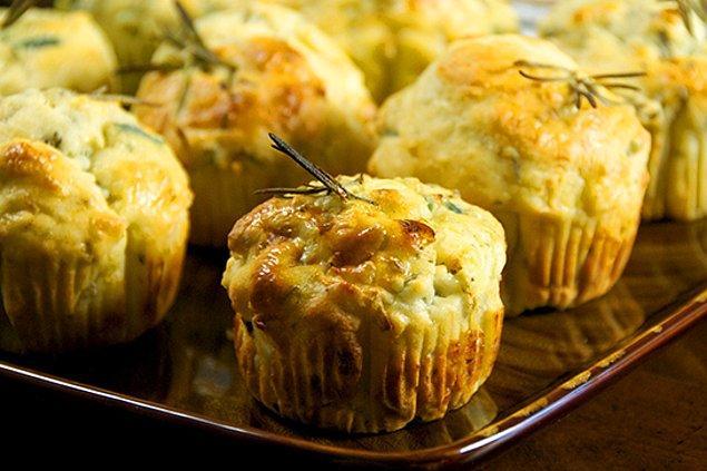 10. Yeşillikler içinde bir muffin