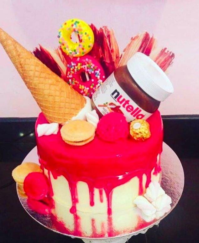 17. Dondurma, çikolata, donut ve yaş pasta kombini...