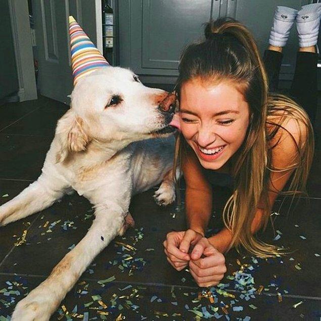 1. Köpekler dünyanın en tatlı ve iflah olmaz sevgi arsızlarıdır.