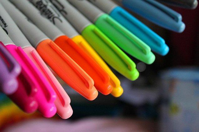 4. Bu dönemde size verilebilecek en güzel hediye kuşkusuz fosforlu kalemdir.