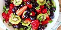Заряжаемся витаминами: 10 суперполезных фруктовых салатов